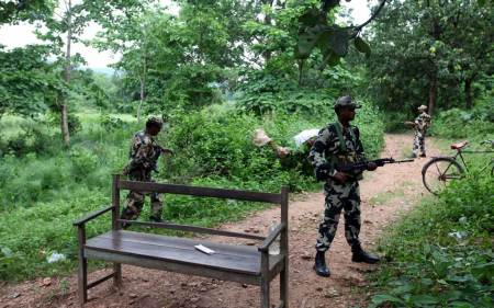 maoist leader surrender, maoist surrender, Jharkhand, Jharkhand maoists, Vinay Oraon surrender, Chhattisgarh, Balkeshwar Oraon, news, india news, latest news, national news, maoists jharkhand, Vinay Oraon, Bada Vikash, D K Pandey, Latehar, Vikash, maoist vikash, Operation Nayee Disha