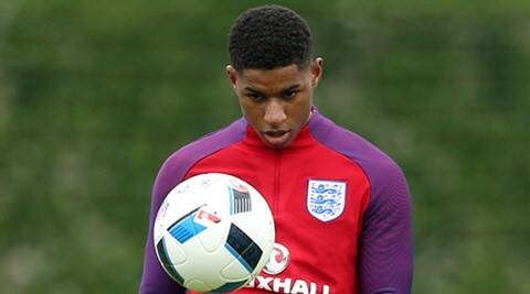 Marcus Rashford signs long-term contract with  Manchester United