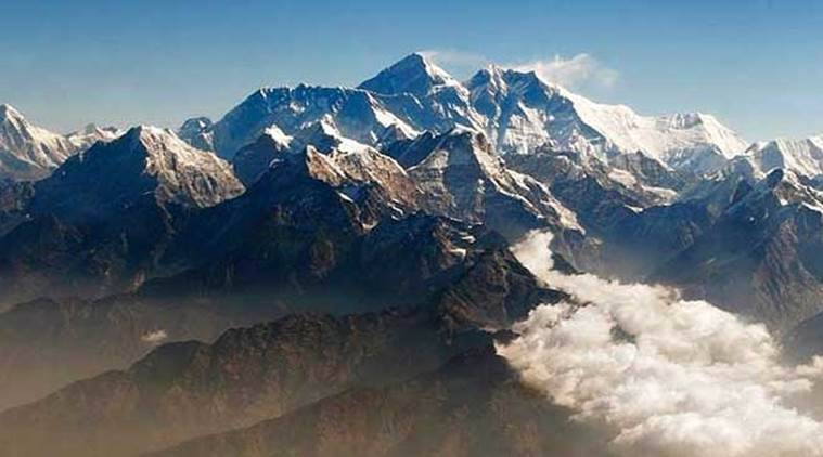 Mount everest, plane accident, Mount everest flight crash, plane accident, indian express news, latest news, world news