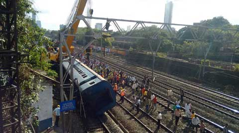 mumbai, mumbai train, mumbai local, mumbai local late, mumbai local trains, mumbai local derailed, mumbai train derail, mumbai news