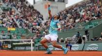 French Open: Top seeds advance; Kerber, Vika out
