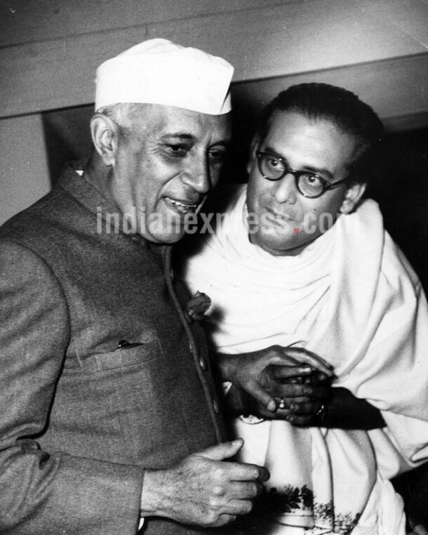 jawaharlal nehru, jawaharlal nehru birthday, nehru birthday, childrens day, first prime minister, jawaharlal nehru photos, jawaharlal nehru rare photos, jawaharlal nehru rare pictures, india news, nehru historic photos, nehru news, latest news