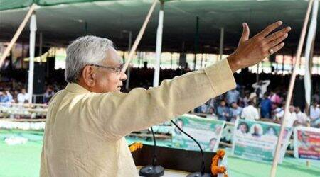 In UP, Nitish calls for 'RSS-free nation, liquor-free society'