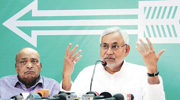 Nitish Kumar, Bihar, Bihar chief minister, Bihar CM Nitish Kumar, Nitish, Liquor ban, Bihar liquor ban, Anti-liquor campaign, Anti-liquor campaign in Jharkhand, Jharkhand-Bihar border, Jharkhand government, Babu lal marandi, Raghubar das, india news