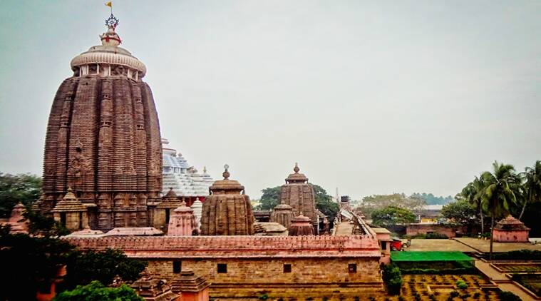 how to travel from bhubaneswar airport to puri
