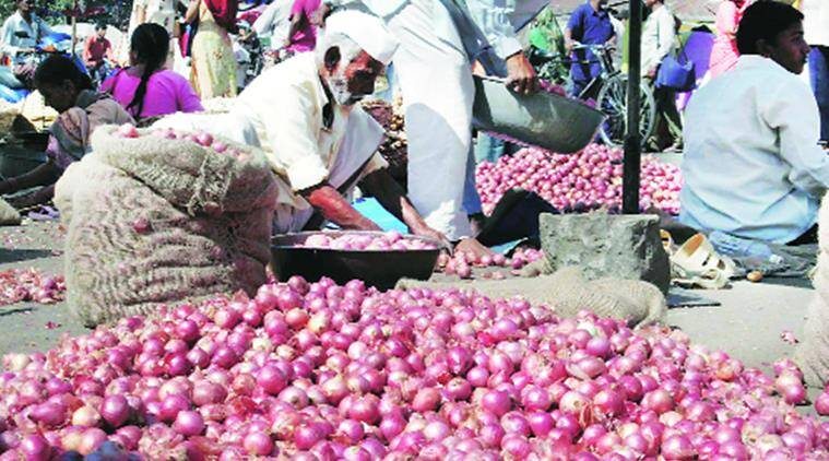 Traders say that instead of one lakh metric tonnes of onion exports, only 80,000-85,000 metric tonnes are being exported at present