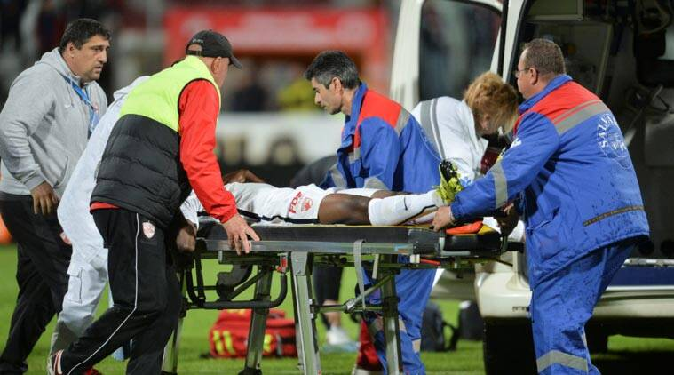 Dinamo Bucharest's Patrick Ekeng is transported to an ambulance after collapsing during a play-off match against Viitorul Constanta in Bucharest, Romania. (Source: Reuters)