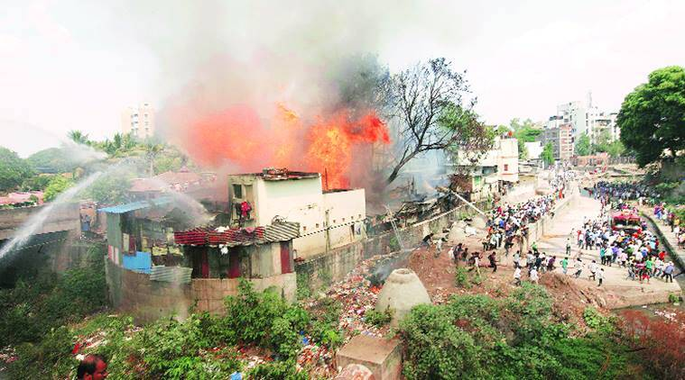 Pune, pune fire, fire, pune Mangalwar Peth, Mangalwar Peth, slum area, pune slum area, Bhimnagar slum area, pune news