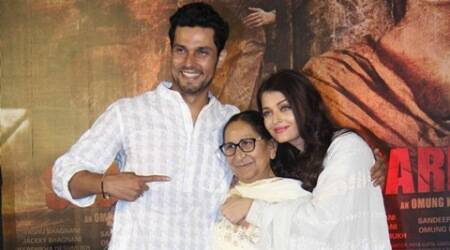 Promise me you'll give me 'kandha' when I die: Sarabjit's sister Dalbir to Randeep Hooda