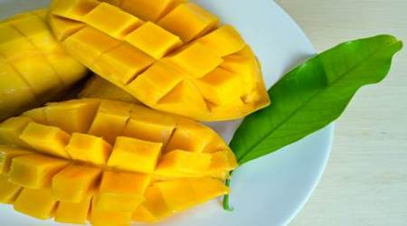 Here's how you can tell the ripeness of mangoes without having to taste it
