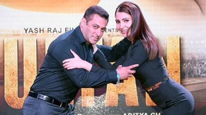 'Sultan' Salman Khan, 'Aarfa' Anushka Sharma launch Sultan trailer, see pics