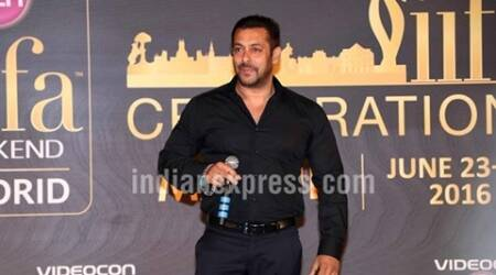 Salman Khan delights visually impaired fan with surprisevisit