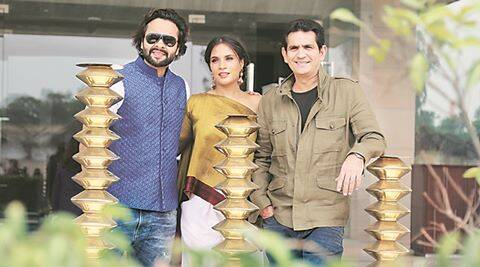 Director Omung Kumar with Richa Chadha and other cast of the film 'Sarabjit' during interaction with media in a hotel in Industiral Area Phase 1 Chandigarh on Tuesday, May 03 2016. Express Photo by Kamleshwar Singh