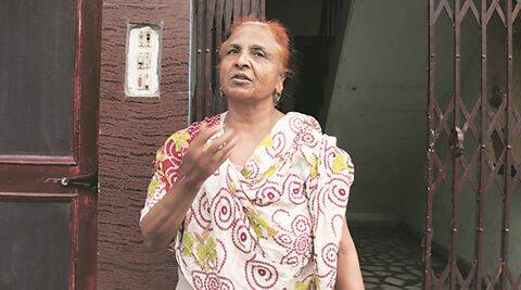 Shashi Goyal victim of snatching incident narrating the incident at her house in sector-9, Panchkula on Tuesday, May 03 2016. Express photo by Jaipal Singh