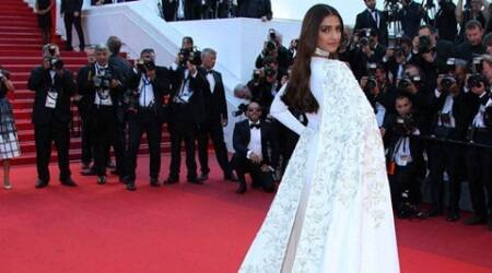Sonam Kapoor looked stunning at Cannes red carpet