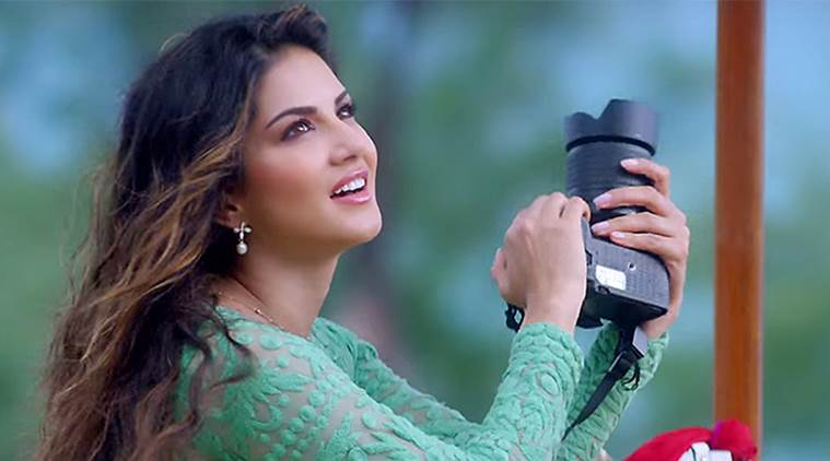 Sunny Leone likes Delhi's street food, especially gol gappe and dahi chaat.