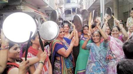 Eggs thrown at BJP's yatra in Surat, Patel women hold protest