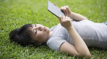 tablet, reading, laptop, tablet reading, laptop reading, thinking, lifestyle