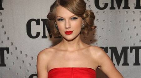 Taylor Swift gives unvarnished courtroom account of alleged groping