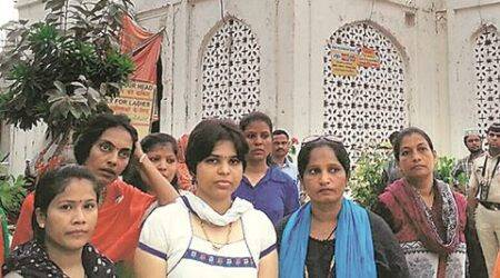 Trupti Desai offers prayers at Haji Ali, says this is a fight for genderequality