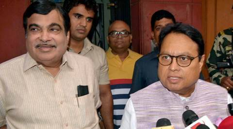 Nagpur: Union Minister for Road Transport and Shipping Nitin Gadkari with  Rajya Sabha MP Vijay Darda addressing to media at his residence in Nagpur on Sunday.PTI Photo(PTI5_29_2016_00181A)