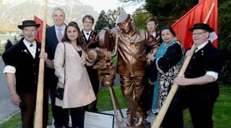 Rani Mukerji, mother-in-law Pamela inaugurate Yash Chopra's statue inSwitzerland