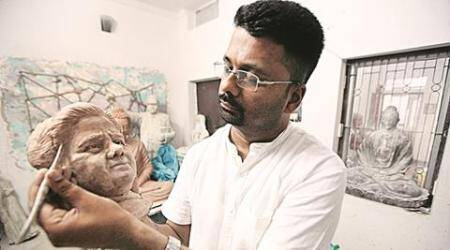 Many mini Mayas: A day in the life of a Lucknow sculptor