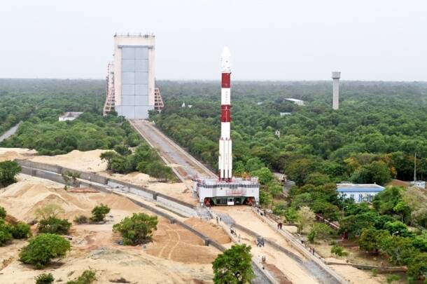 ISRO, Indian space research organisation, PSLV, ISRO missile launch, PSLV C-34 launch, India satellite launch, ISRO satellite launch, Sriharikota, PSLV C-34, Cartosat-2, satellite news, technology, ISRO photos, ISRO satellite launch photos, PSLV C-34 photos,