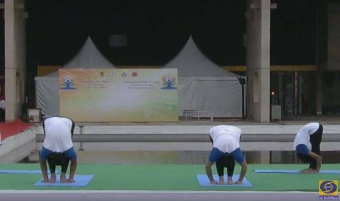 yoga day, yoga, narendra modi, narendra modi yoga, modi yoga, modi yoga asanas, modi yoga pictures, modi yoga day speech, modi yoga day address, chandigarh yoga day, international yoga day