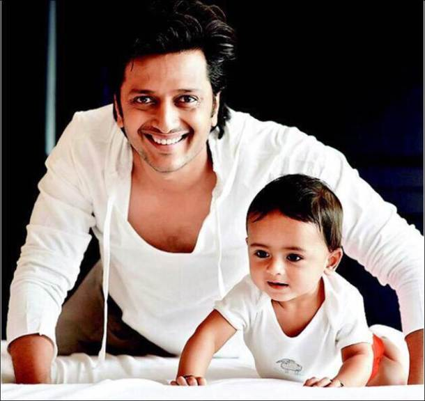 PHOTOS: Riteish Deshmukh, Genelia D'Souza blessed with a ...