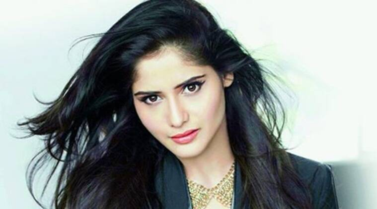 Aarti Singh's hidden cricket talent,likes to play cricket and loves bowling.