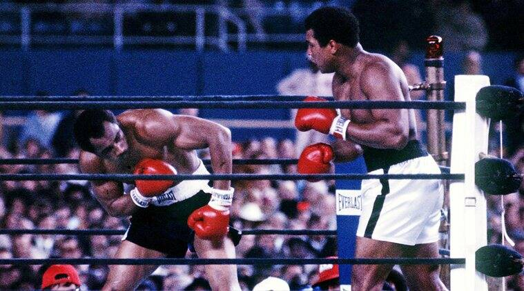 Muhammad Ali (R) fights Ken Norton at Yankee Stadium in the third fight between the two heavyweights in New York City