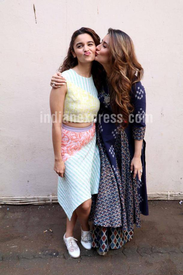 Alia Bhatt, Kareena Kapoor, Udta Punjab, Alia Kareena, Alia bhatt udta punjab, Kareena kapoor alia bhatt, kareena udta punjab, Varun Dhawan, Dishoom, Varun Dhawan Dishoom, alia Kareena kiss, Alia Kareena udta punjab, entertainment
