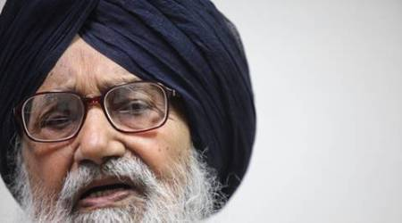Golden Temple priest refuses to honour Punjab CM Prakash Singh Badal