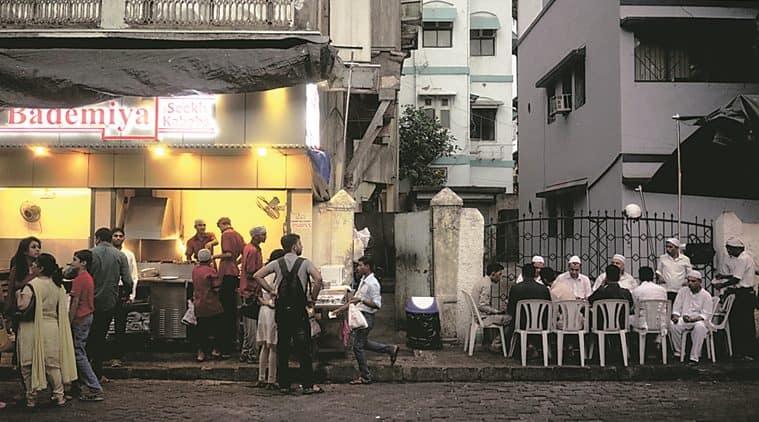 Bademiya, Bade Miya, Colaba restaurants, seekh kebab Colaba, lamb boti Colaba, Mumbai sheekh kebabs, Mumbai food