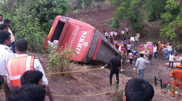 Mumbai Pune Expressway Accident 17 Dead 43 Injured As Luxury Bus