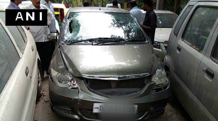 Two dead, one injured as car knocks down pedestrians in Delhi