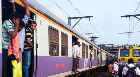 Central Railway to alert commuters about unmanned railway crossings viaSMS