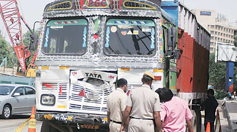 delhi, delhi road accident, delhi truck accident, delhi highway accident, delhi truck hit and run case, delhi traffic police, delhi news, ncr news, latest news