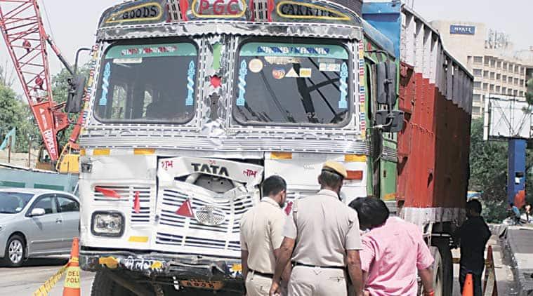 delhi, delhi road accident, delhi truck accident, delhi highway accident, delhi truck hit and run case, delhi traffic police, delhi news, ncr news, latest news