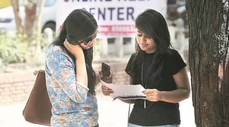 DU admissions, Day 2: AAP's student wing hands out pamphlet on campus politics