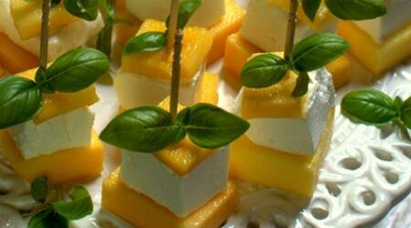 Mango + feta cheese: The tastiest salad you'll everhave