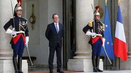 French President Francois Hollande appears after Britain's vote to leave the European Union, at the Elysee Palace in Paris, France, June 25, 2016.  REUTERS/Jacky Naegelen