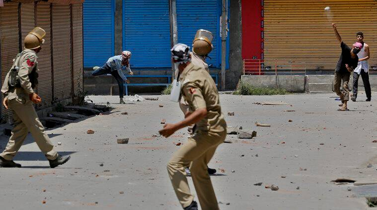 Kashmir clashes, Srinagar, Baramulla, teargas, Bomai village clash, JKLF, Hurriyat Conference, national news, India news, latest news, news, Sopore clash, Baramulla riots, Kashmir riots, Jamia Masjid clashes, Chatpora village clashes, Pulwama clashes, Pulwama, Khanyar, Soura Medical Institute, Hyderpora, Srinagar, Anantnag, clashes, Kashmiri Pandits, Kashmir news