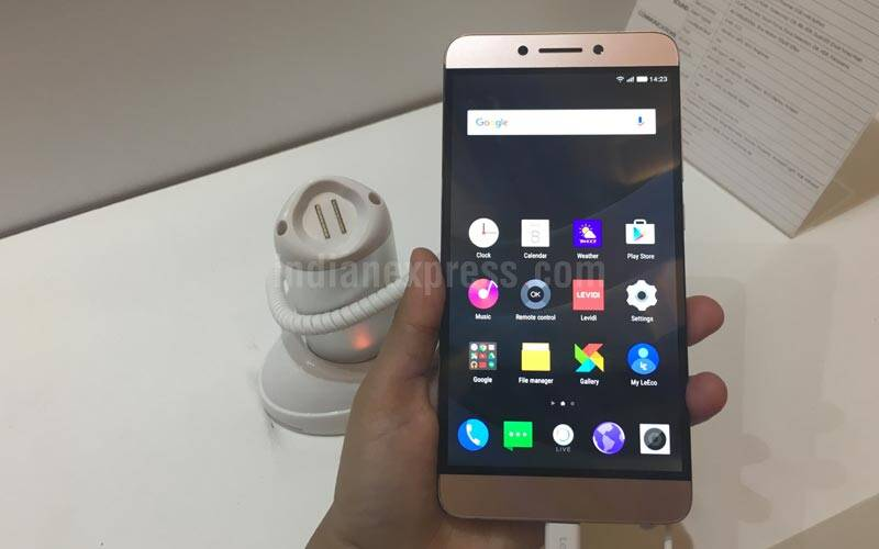 Le Max 2, LeMax 2, OnePlus 3, LeMax 2 competition, LeEco, LeMax 2 vs Mi 5, LeMax 2 vs Asus Zenfone 3 Deluxe, Le Max 2 vs Moto X Style, Le Max 2 vs OnePlus 3, Le Max 2 comparision, smartphones, Android, Snapdragon 820 processor, technology, technology news