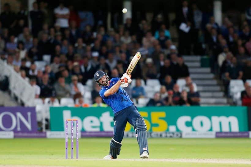 Liam Plunkett, Plunkett, Plunkett batting, plunkett batting, Plunkett six, England vs Sri Lanka, Eng vs SL, Sri Lanka vs England, SL vs Eng, Cricket