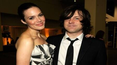 Mandy Moore selling off maritalhome