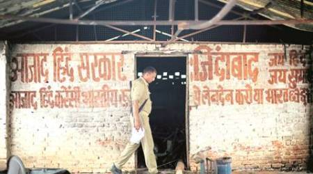 Mathura clashes: Slain SP's family says cops left him alone, govt orders probe