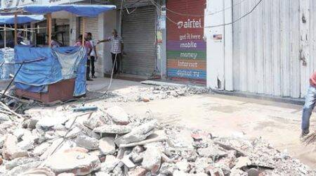 Slab collapse kills two in Matunga area of south Mumbai
