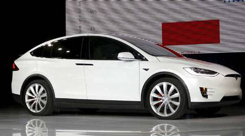 Tesla, Tesla cars, Model X, Model X Tesla, Tesla Model X, Model X software, Model X software update, Model X review, Model X doors, Model X door fix, Tesla news, Elon Musk, Auto news